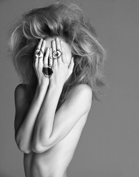 Архивная съёмка: Инез и Винод для Vogue, 2009. Изображение № 2.