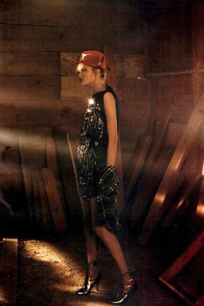 Сьемка: Влада Рослякова для Elle US. Изображение № 4.