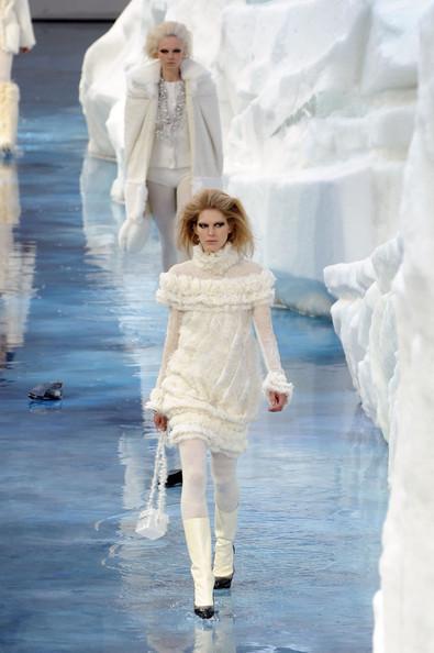 Ледяное шоу от Chanel. Изображение № 20.