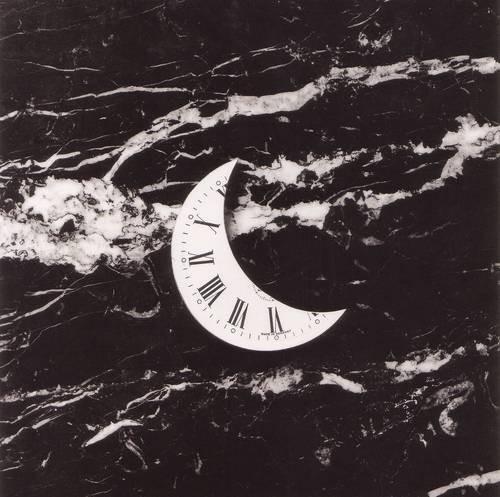 Черно-белые сюрреалистические фотографии Chema Madoz. Изображение № 42.