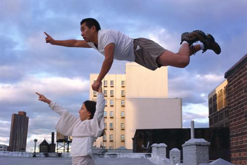 Летающие и падающие люди Ли Вея. Изображение № 10.