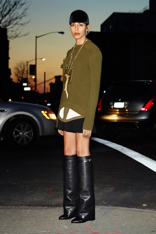 Givenchy Pre-Fall 2012. Изображение № 30.