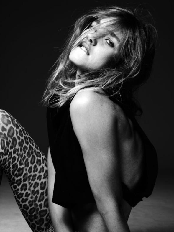 Natalia Vodianova byHedi Slimane. Изображение № 10.
