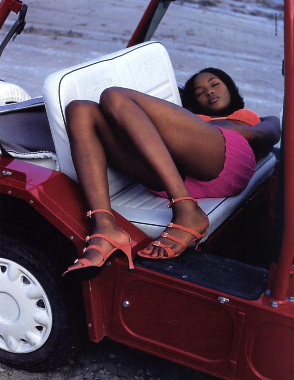 Архивная съемка: Наоми Кэмпбелл для американского Elle, 1994. Изображение № 2.