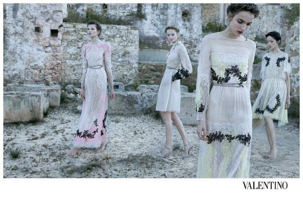 Кампания: Valentino SS 2012. Изображение № 7.