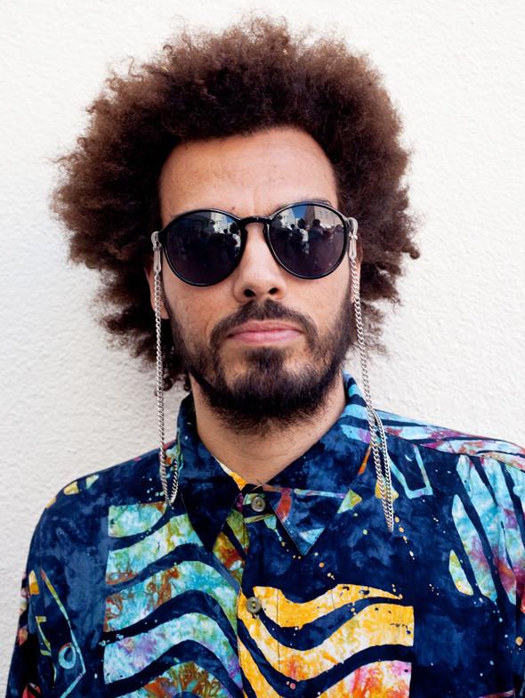 Пестрые рубашки и темные очки: Посетители фестиваля Sonar 2012. Изображение № 15.
