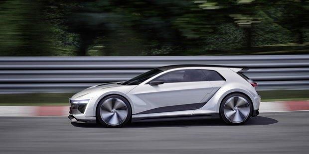 Volkswagen показал концепт автомобиля Golf GTE Sport . Изображение № 2.