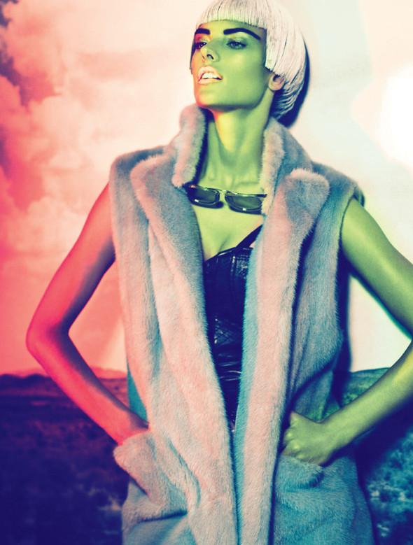 Съёмка: Алессандра Амброзио для Muse. Изображение № 15.