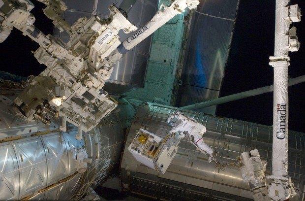 NASA представила реалистичные фото в стиле «Гравитации». Изображение № 11.