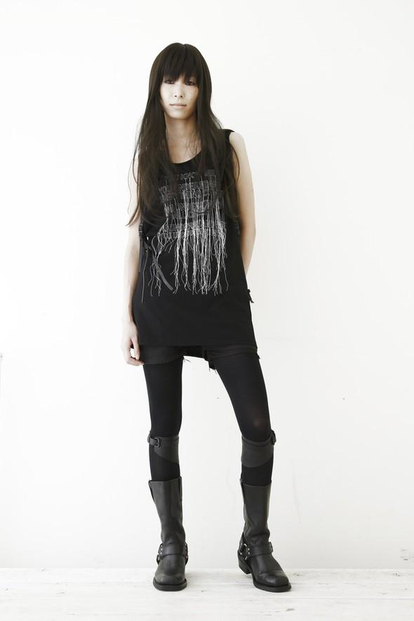 NUDE: MASAHIKO MARUYAMA SS2010. Изображение № 8.