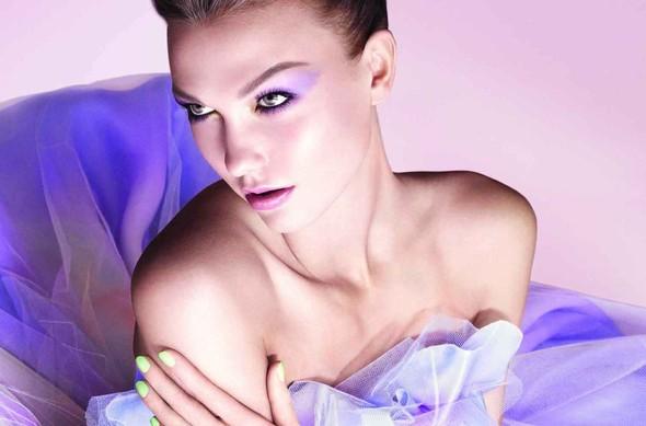 Превью кампании: Карли Клосс для Dior Beauty SS 2012. Изображение № 1.
