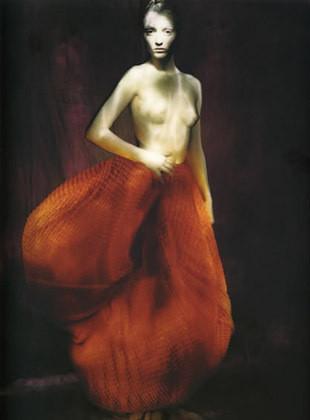 Части тела: Обнаженные женщины на фотографиях 1990-2000-х годов. Изображение №117.