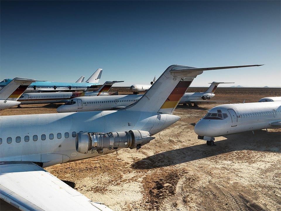 Кладбище самолётов  в выжженной пустыне . Изображение № 10.