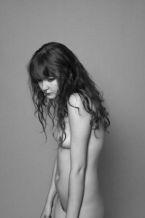 Части тела: Обнаженные женщины на фотографиях 1990-2000-х годов. Изображение №254.