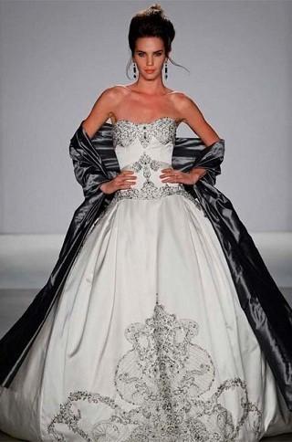 """""""Выбираем свадебное платье!"""" 93 идеи ведущих дизайнеров. Изображение № 31."""