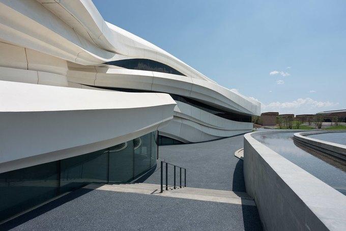 Архитектура дня: музей в Китае сбелым «слоёным» фасадом. Изображение № 5.
