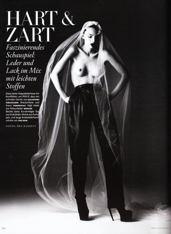 Съёмка: Карола Ремер для Vogue. Изображение № 1.