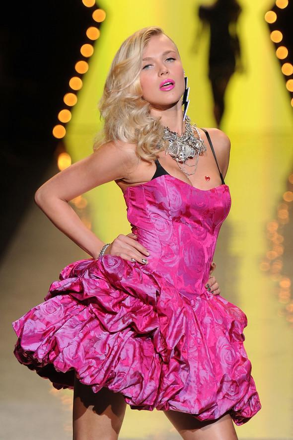 New York Fashion Week: Betsey Johnson Spring 2012. Изображение № 74.