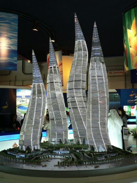 Башни вформе горящих свечей вДубаи. Изображение № 1.