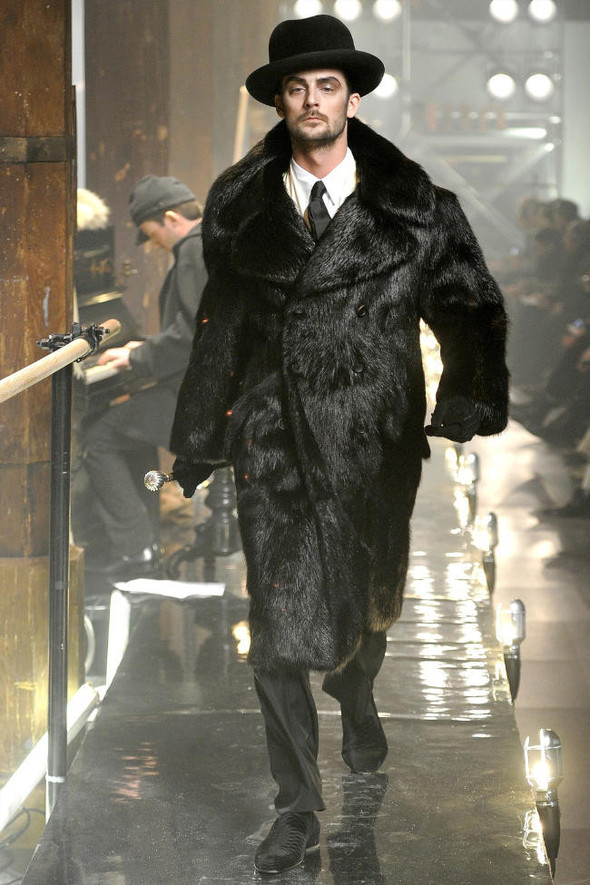 Джон Гальяно/ Осень-зима 2011/ Неделя моды в Париже. Изображение № 5.