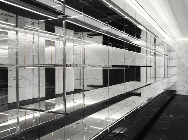 Эди Слиман разработал дизайн бутика Saint Laurent. Изображение № 1.