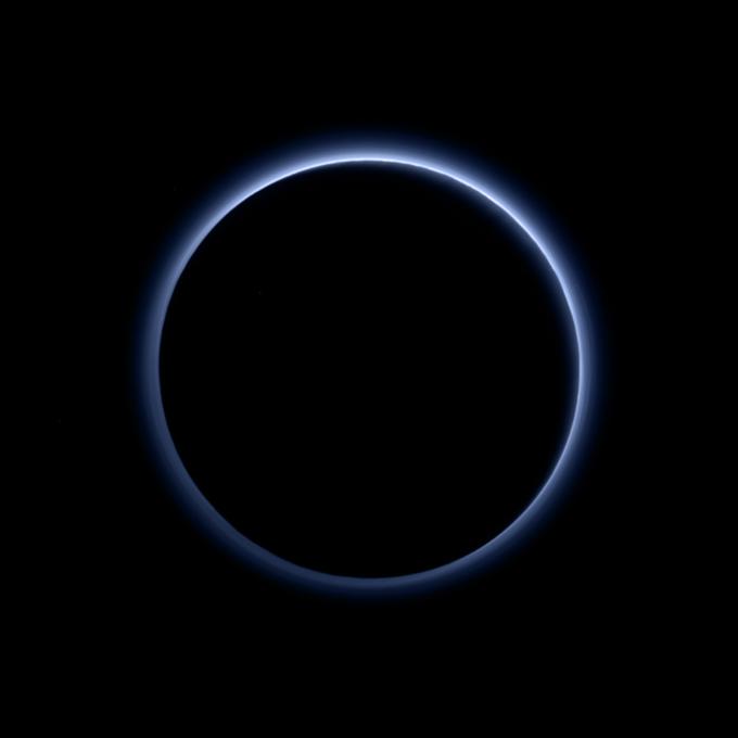 Фото дня: голубое небо над Плутоном . Изображение № 1.
