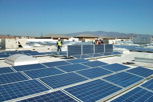 Панели SolarCity на крыше супермаркета Walmart. Изображение № 1.