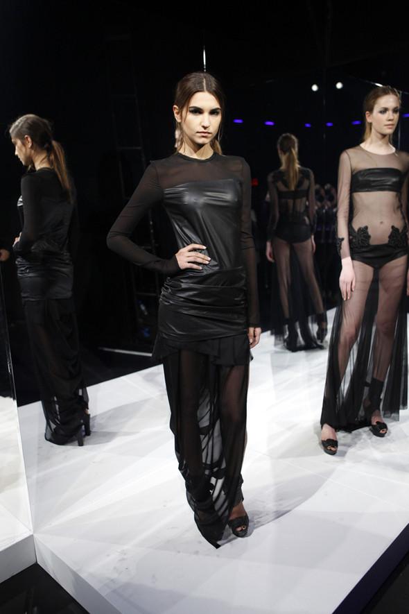Изображение 13. Кира Пластинина показала новую коллекцию на неделе моды в Нью-Йорке.. Изображение № 13.