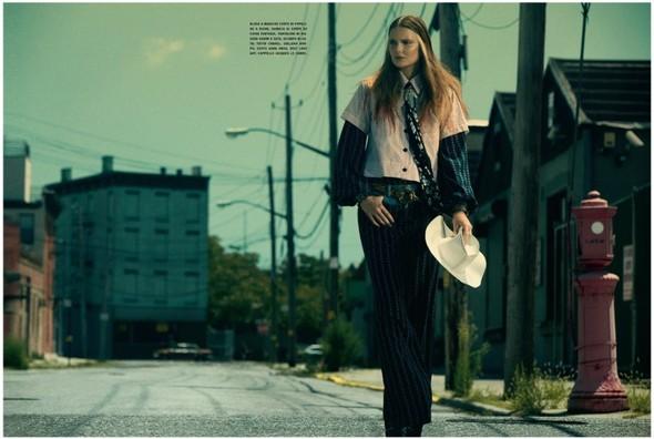 Съемка: Энико Михалик для итальянского Vogue. Изображение № 4.