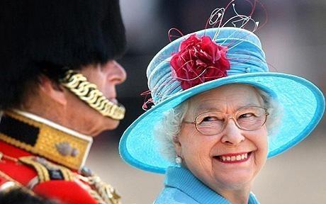 Её Величество. Изображение № 4.