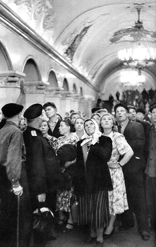 Советская Москва глазами Анри Картье-Брессона. Изображение № 30.