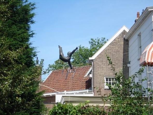 Скульптуры Джерзи Кедзиоры, парящие в воздухе. Изображение № 48.