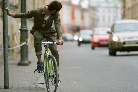 На Вове: комбинезон Devo, кеды Wesc. Велосипед Create,. Изображение № 6.