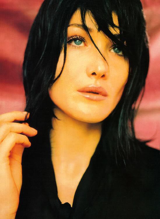 Архивная съёмка: Карла Бруни для Vogue, 1996. Изображение № 1.