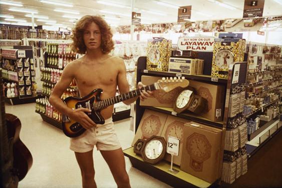 Hugh Holland. Скейтборд-хроники 70-х. Изображение № 17.