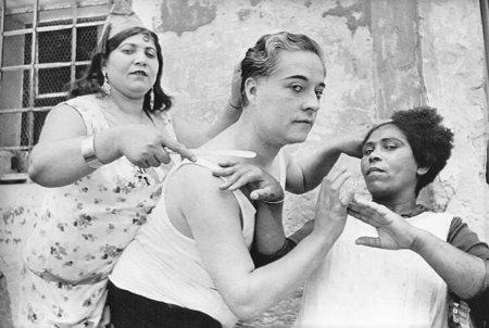 Работы французского фотографа Henri Cartier-Bresson. Изображение № 23.