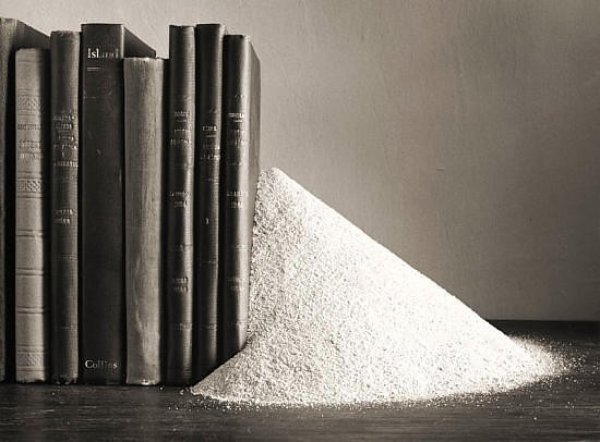 Черно-белые сюрреалистические фотографии Chema Madoz. Изображение № 5.