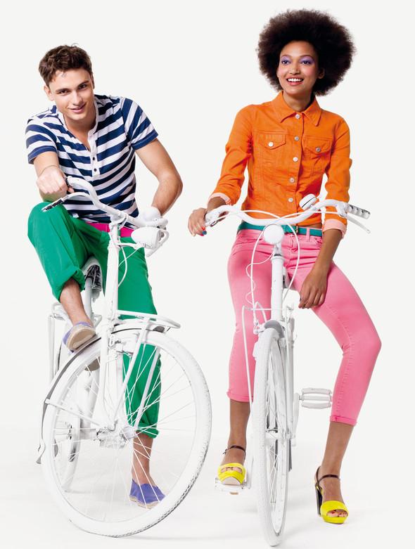 Кампания: United Colors of Benetton SS 2012. Изображение № 10.