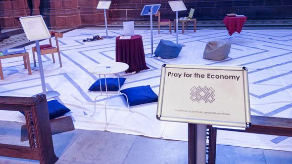 «Помолимся за экономику». Изображение № 48.