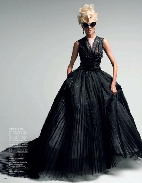 Аня Рубик для Vogue Japan (май 2012). Изображение № 5.