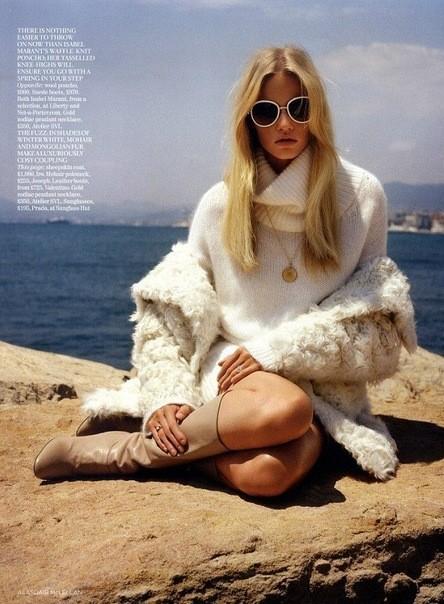Съёмка: Лара Стоун для британского Vogue. Изображение № 8.