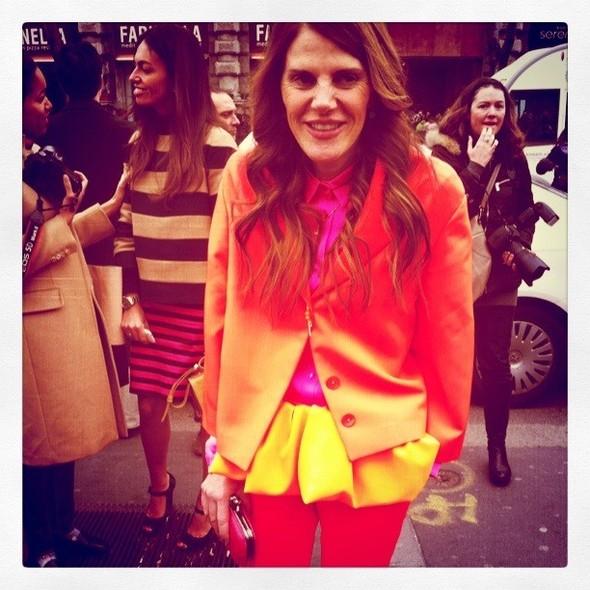 Анну Делло Руссо я сняла в Милане, она всегда открыта экспериментам: перед показом Jil Sander она выбрала один из самых ключевых луков бренда сезона весна-лето 2011. Изображение № 4.