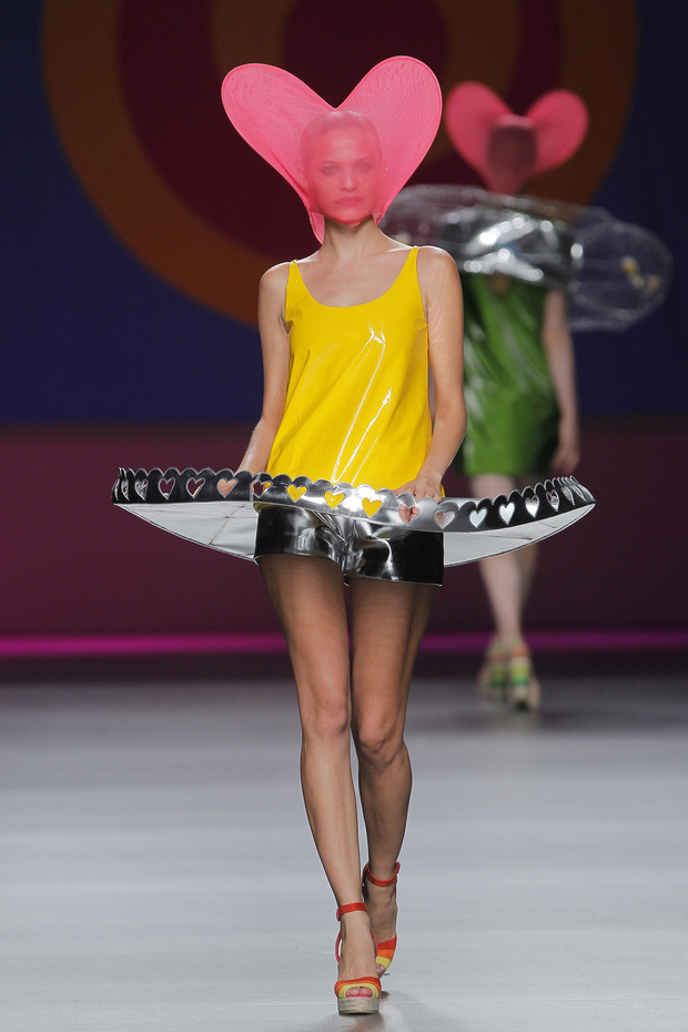 Madrid Fashion Week SS 2013: AGATA RUIZ DE LA PRADA. Изображение № 23.