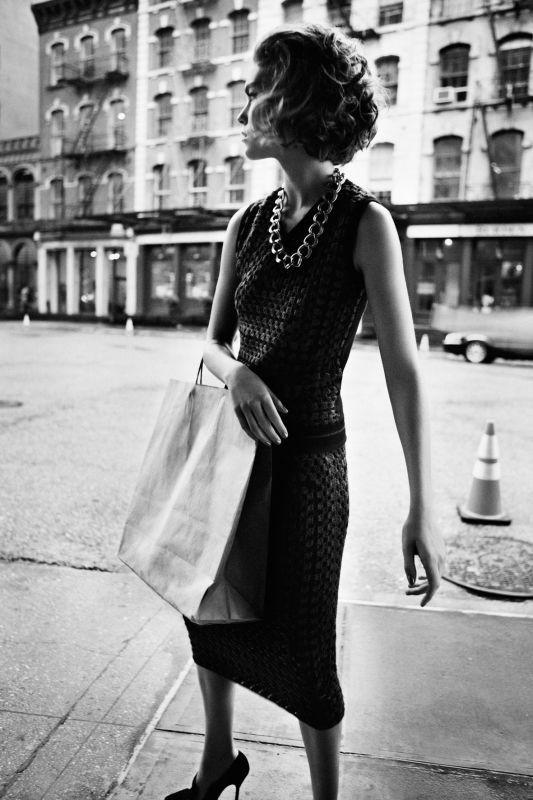Съёмка: Аризона Мьюз для британского Vogue. Изображение № 12.