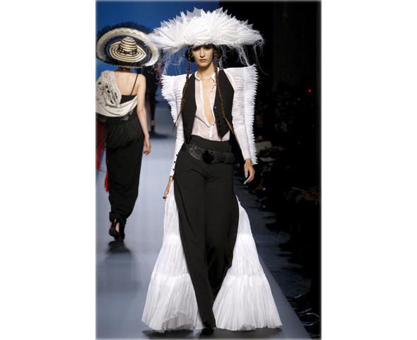 Неделя моды в Париже: Haute Couture. Изображение № 22.
