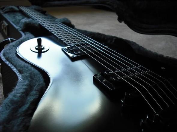Готичные гитары. Изображение № 3.