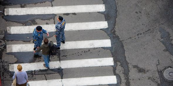 Дерзкий плакат на Камергерском переулке. Изображение № 10.