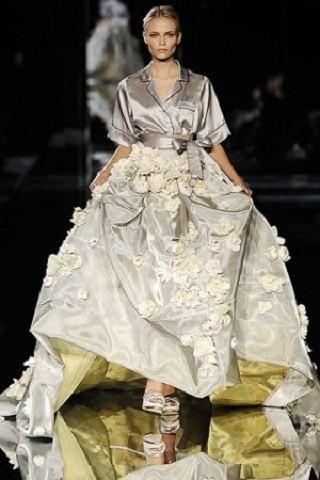 """""""Выбираем свадебное платье!"""" 93 идеи ведущих дизайнеров. Изображение № 9."""