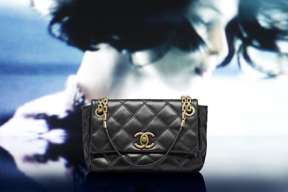 Лукбук: Chanel FW 2011 Bags. Изображение № 11.