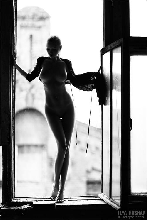 Фотограф Илья Рашап: ню-ансы красоты. Изображение № 13.